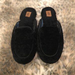 UGG Lane Fluff Loafers Slippers - Size 8 - Black